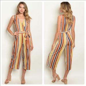 Pants - 🎉NEW W/ TAGS! Gorgeous stripe spilt pant